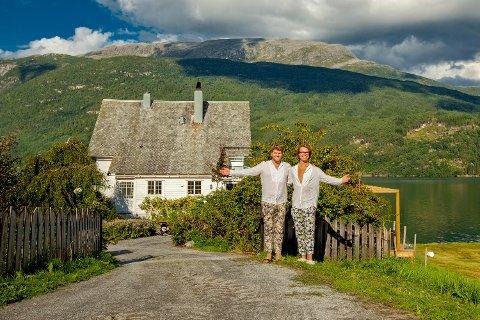 Eivind Kandal og Torstein Kollevåg forlot det urbane livet for å satse i lille Kandal.