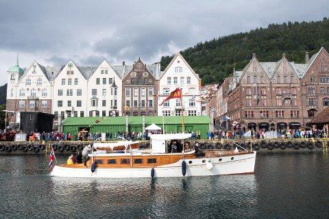 Båten Faun ble bygget i 1916 som lystfartøy for sønnen til Christian Michelsen. Faun er 52 fot lang og kostet ny 33.000 kroner.