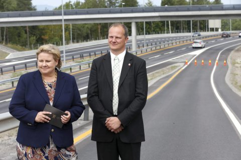 Ketil Solvik-Olsen (Frp) prøver stadig å løpe fra ansvaret for alle bompengene han har innført som samferdselsminister. Det går på æren løs også for statsminister Erna Solberg og Høyre.foto: terje bendiksby, NTB scanpix