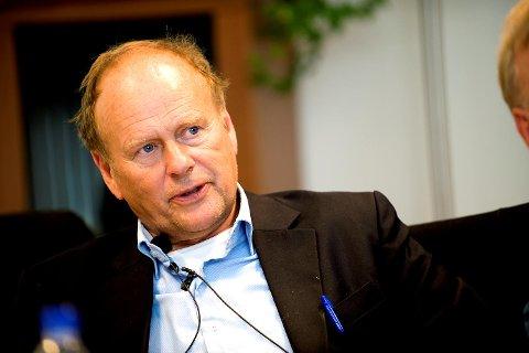 Tidligere stortingsrepresentant Magnus Stangeland (77) ble funnet kraftig nedkjølt på holme etter å ha havnet i sjøen tirsdag kveld.