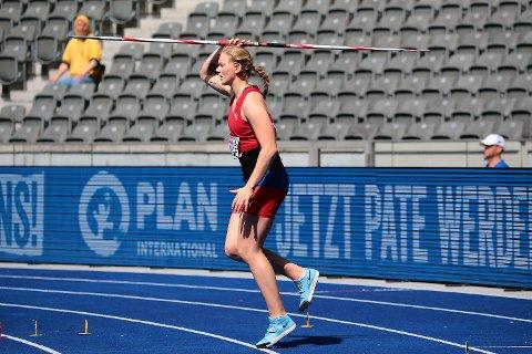 Sigrid Borge er klar for EM-finalen fredag, men hun gjorde det spennede. Her er hun i starten av tilløpet på Olympistadion torsdag.