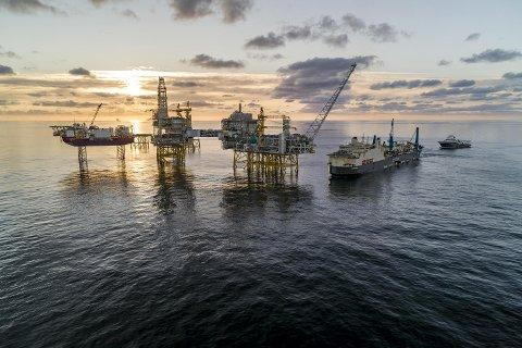 Gigantfratøyet Saipem Castorone har lagt det 283 kilometer lange oljerøret på havbunnen mellom Mongstad og Johan Sverdrup-feltet. FOTO: BO B. RANDULFF/ROAR LINDEFJELL/WOLDCAM