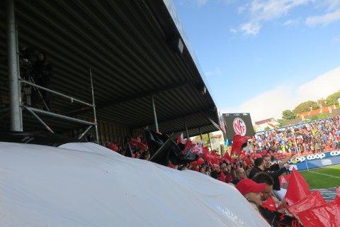 1500 Brann-supportere fikk ikke plass under èn regnponcho.
