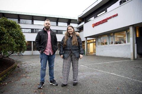 Både miljøterapeut og kjentmann Jan Fredrik Oddekalv og elevrådsleder Maria Louice Rosenlund ved Slåtthaug videregående skole i Fana er bekymret.