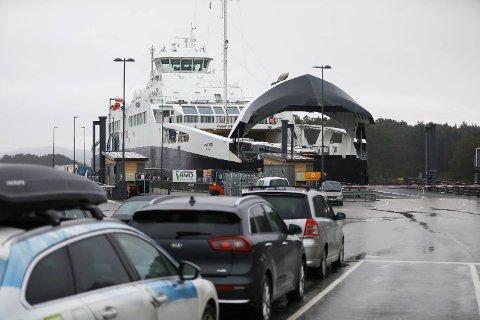 Hittil i år har det vært krevende for passasjerene å forholde seg til rutetabellen.