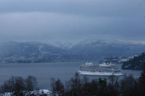Årets første cruiseskip Viking sky