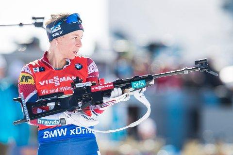 Tiril Eckhoff på 2. etappe for Norge under skiskytterstafetten i Holmenkollen tidligere i januar. I dag tror vi hun kan vinne sprinten i Anterselva.  Foto: Håkon Mosvold Larsen / NTB scanpix