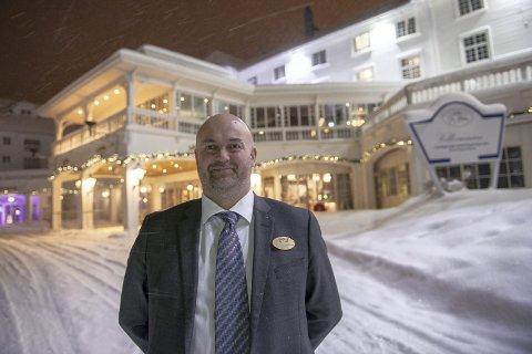STOPPET FESTEN: Håkon Olaus  Asmundvaag, direktør ved  Dr. Holms Hotell  på Geilo, stoppet festen da han forsto at det var russ som skulle feste ved hotellet.