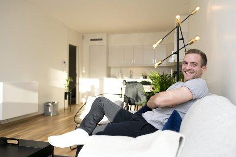 Kristoffer Løkberg har alltid likt seg best hjemme i Trondheim, men nå er han på plass i Bergen – nærmere bestemt i ny leilighet på Wergeland.