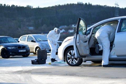 Politiet utførte krimtekniske undersøkelser på stedet kort tid etter at innbruddene ble meldt.