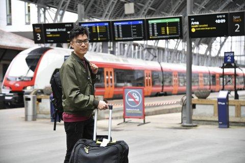 Nederlenderen Robbie Vanden Enden (20) tok streiken med et smil, selv om han ble sliten av den ekstra lange reisetiden.