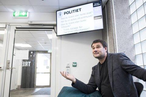 Arne Viste på politistasjonen i Bergen.