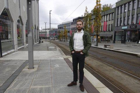 Reidar Digranes og Senterpartiet gjorde et brakvalg, men ligger foreløpig an til å bli sittende som ensomt opposisjonsparti i bystyret. savisen, Norway