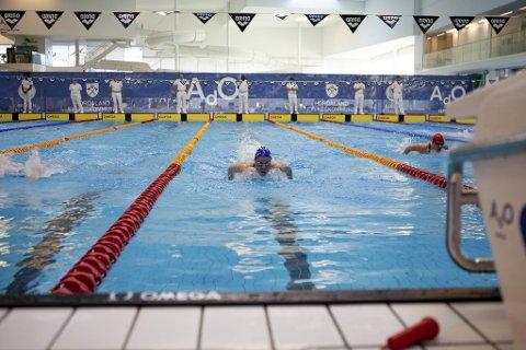 Helene Torsvik Lorentz (15) fra Bergens Svømme Club imponerte under helgens mesterskap. Her tar hun gull under øvelsen butterfly 200m. .