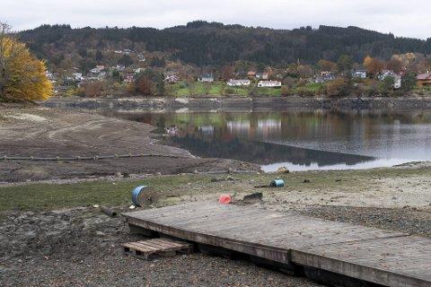 Stendavatnet så magert ut mandag ettermiddag.