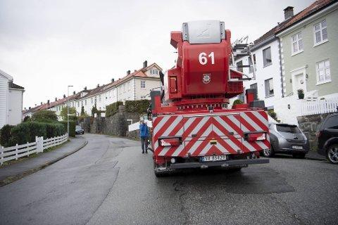 Brannvesenet rykket ut fra tre stasjoner.