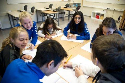 Disse elevene ved Kronstad skole har samarbeidet og sendt inn sine debattinnlegg til BA.