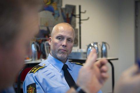 Øystein Samsonsen er forebygger ved Bergen sør politistasjon, og har inngående kjennskap til ungdomsmiljøet i Fana og Ytrebygda.
