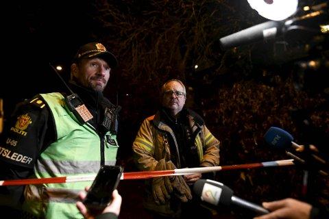 Innsatsleder Casper Kaland i politiet og utrykningsleder Kjell Olav Solheim i brannvesenet forteller at utviklingen nå avhenger av hva geologen avdekker onsdag.