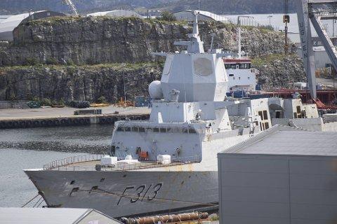 Forsvarsmateriell har laget en liste på om lag 2500 komponenter fra KNM «Helge Ingstad».