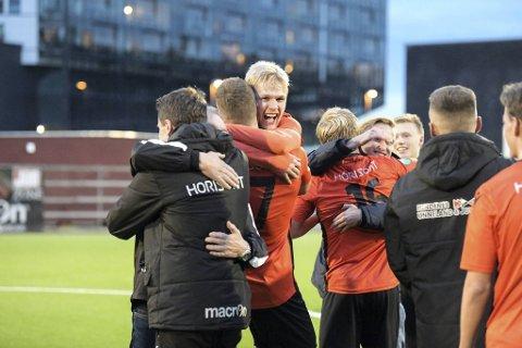 Åsane kunne juble over opprykk til 1. divisjon. Nå mener BAs fotballekspert, Per Kolstad, at klubben er den nest beste i Hordaland.