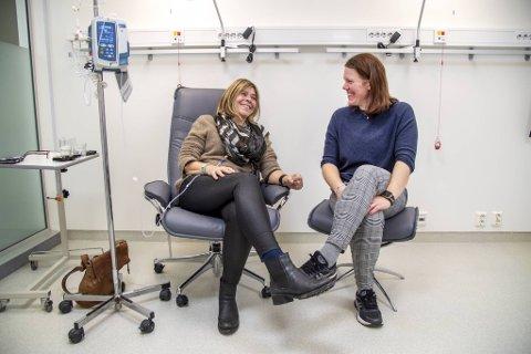Silje Karin Nesheim er der for moren Nina Vestheim når hun må til cellegiftbehandling for bukspyttkjertelkreft.