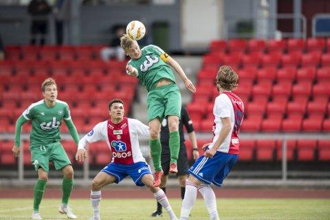 Den økonomiske situasjonen i Nest-Sotra er velkjent. Klubben sliter med å betale ut lønn.  – Det er lov å bli frustrert av det, mener kaptein Bjarte Haugsdal.