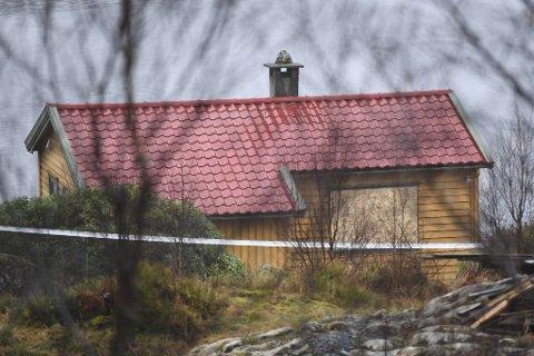 Den dramatiske politiaksjonen fant sted på en hytte i Lindås romjulen 2019.