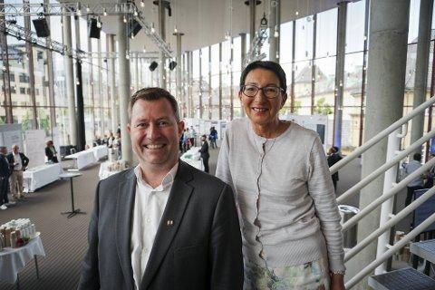 Anders Nyland og Britt Angell-Hansen i Visit Bergen er svært fornøyd med at TED har valgt Grieghallen som lokasjon for sin første klimakonferanse.