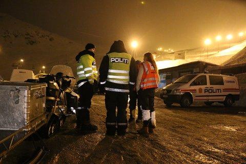 LETEAKSJON: Store ressurser ble satt i sving natt til mandag. Basen var ved Røldal skisenter.