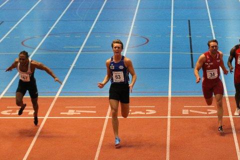 Amund Sjursen krysset mållinjen først på lørdagens 60-meter.