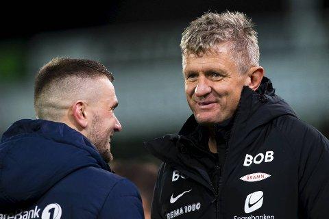 Lars Arne Nilsen kunne smile sammen med Flamur Kastrati etter kampen, men før pause stemte lite. – Sterkt at vi snudde det, sier Brann-treneren til BA.