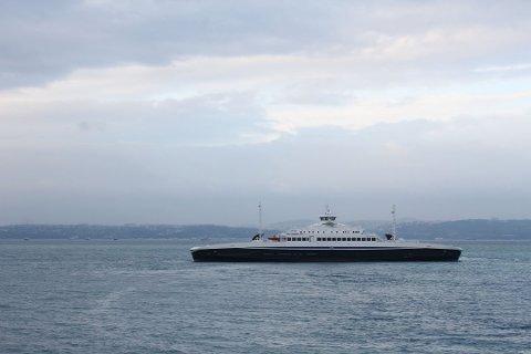 Torghatten Nord-fergene loses inn til  Rubbestadneset onsdag. MF Samnøy skal være inne rundt klokken 11 og MF Huftarøy i løpet av ettermiddagen, opplyser driftsjef Fredrik Moe i Torghatten-Nord.