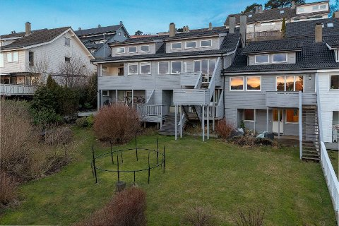 Dette rekkehuset på Kråkenestoppen på Bønes ble solgt for 3,95 millioner kroner etter budrunde i januar, etter at det ikke ble solgt i høst.