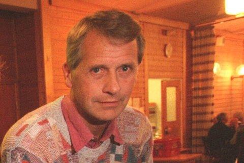 Tidligere Fana IL-leder og mangeårig ildsjel Tore Seim har gått bort. Dette bildet er fra en anledning i 1997.