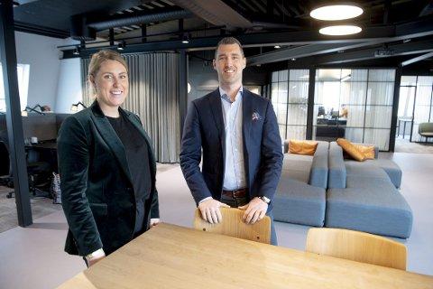 Stian Bruaas og Christina Erstad  har brutt ut fra Eie for å være med å starte opp W eiendomsmegling. Bruaas og Erstad er henholdsvis daglig leder og kjedesjef.