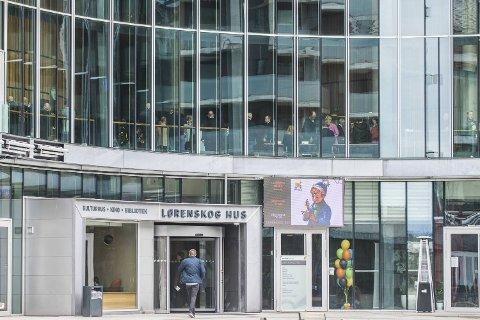 All Lyoness-virksomhet er forbudt i Norge. Etter forbudet møttes Lyconet-markedsførere her i Lørenskog Hus. Arrangøren sier agendaen ble endret etter forbudet kom.