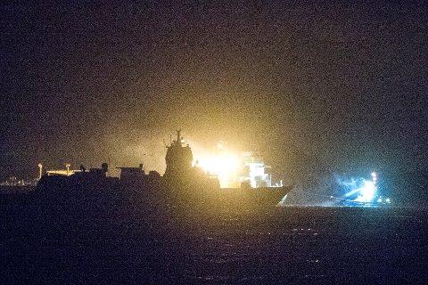 Søsterskipet til KNM «Helge Ingstad» gjennomførte natt til tirsdag en seilas for å gjenskape hendelsene natten da fregatten kolliderte med tankskipet «Sola TS».