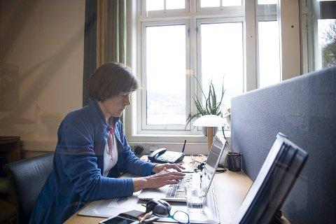 De siste ti årene har Margit vært frivillig hos Kirkens SOS. Etter ønske fra Kirkens SOS, bruker BA kun fornavn på henne i denne saken.