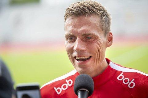 Ruben Yttergård Jenssen «får høre det» både i egen garderobe og på Alfheim, men tar det med et smil.