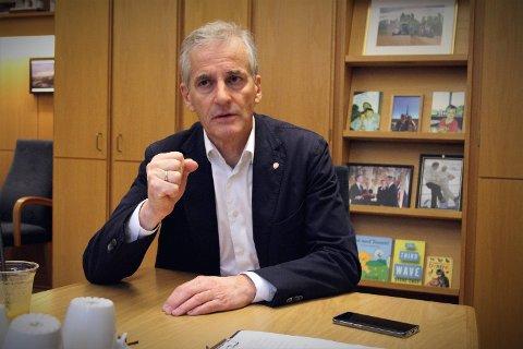 INNRØMMER: Ap-leder Jonas Gahr Støre erkjenner at de høye bompengesatsene rammer usosialt.