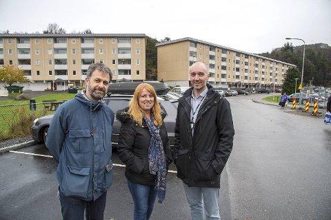 i 2016 gikk BKK og Bergen kommune sammen med blant annet borettslaget Vestre i Vadmyra  for å løse el-bilfloken i store borettslag. F.v.: Lars Ove Kvalbein (Bergen kommune), Torunn Hjelmtveit (daglig leder i Borettslaget Vestre) og Alexander Svanbring (BKK).