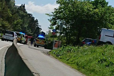 Politiet rykket mandag ettermiddag ut til en kjedekollisjon i Tennebekken.