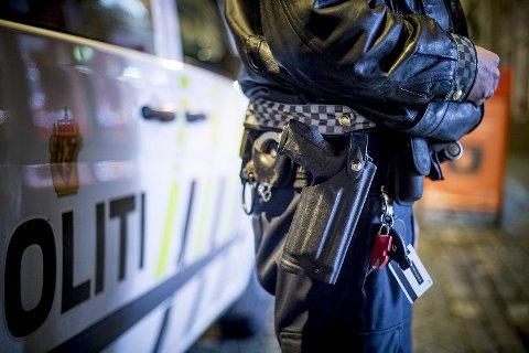 Blir søknaden innvilget vil reisende observere at politiet på Flesland går med våpen.