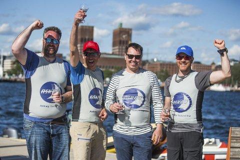 Chris Skogen (t.v.), Nils Olav Handegard, Håvard Espeseth og Stian Soltvedt tok seieren for Askøy i første runde av eliteserien i seiling i helgen.