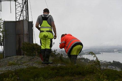 Torsdag var kommunens ansatte ute og inspiserte stedet der det ble funnet avføring fra hund og hjort, på taket av drikkevannsbassenget på Øvre Kleppe.