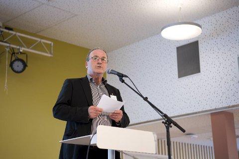 – Jeg ønsker sterkt å si unnskyld, sa ordfører Terje Mathiassen under innledningen til folkemøtet på Askøy mandag kveld.