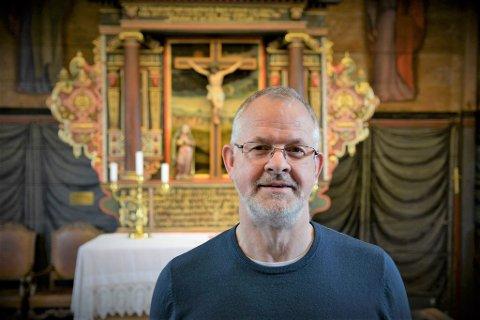Prestene på Osterøy har fått kraftige tilbakemeldinger for sitt syn på vigsel av homofile. Nå gir vikarpresten Børge Ryland seg.
