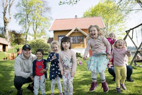 Kommunen har nådd en milepæl da alle barnehagebarn har fått plass i egen bydel. Fagerbakken familiebarnehage i Sædalen er en av over 200 barnehager i Bergen. Barnehagen var en av de som kom best ut i  kommunens brukerundersøkelse.