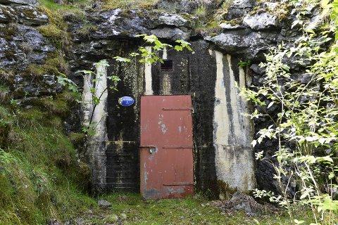 Det var i fjellbassenget bak denne døren at bakteriene ble funnet.
